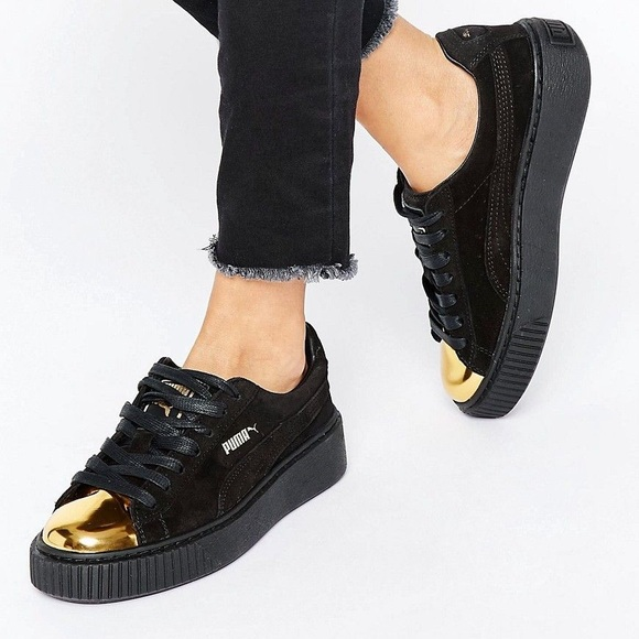 Puma Läder guld tip plattform sneakers  Leather Gold Tip Platform Sneakers